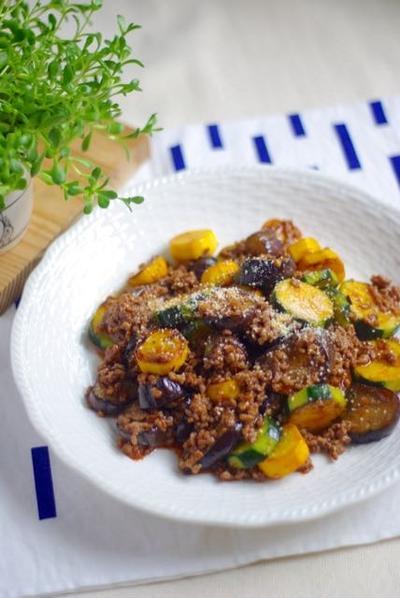 ズッキーニ克服レシピ!茄子とズッキーニのカラフルミートソース*週末ごはん。