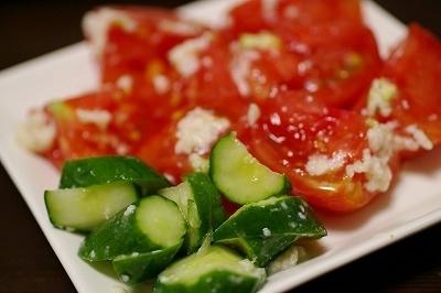 きゅうりとトマトの塩麹漬