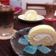 おうちスイーツ!生クリーム♪ロールケーキ。