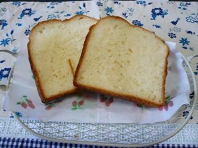 >HBで食パンとスパークリングワイン。 by よりさん