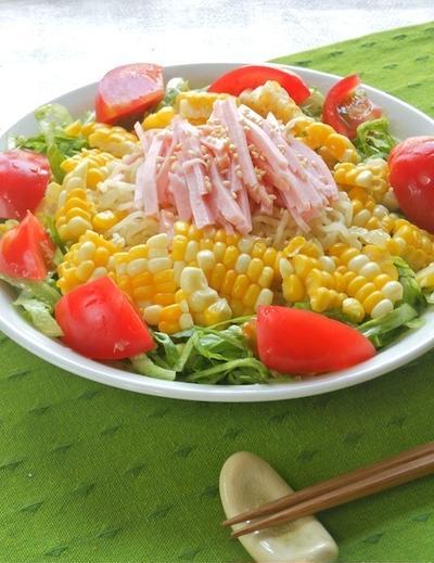 野菜でがっつり〜の冷やし麺!たっぷりレタスとコーンの冷やし中華。