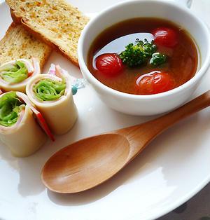 プチトマト入り即席カレースープ♪