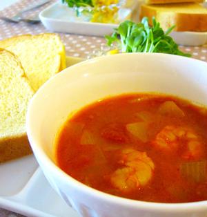 ゆっくり朝ごはん♪えびのトマトカレースープ