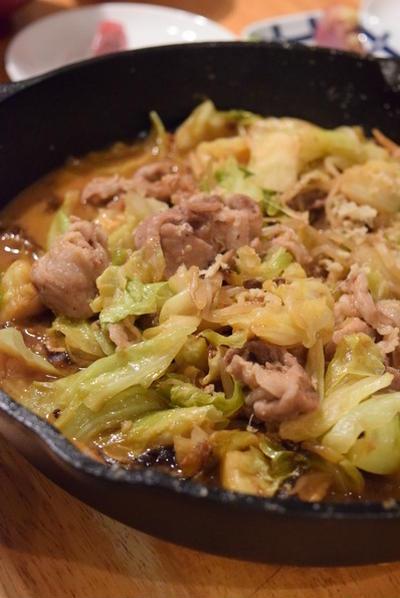 キャベツ多すぎたので、蒸し焼きに。キャベツともやしの味噌豚蒸し焼き|いよいよ明日第1回。「食べることは、生きることを」伝える「パパの料理塾」