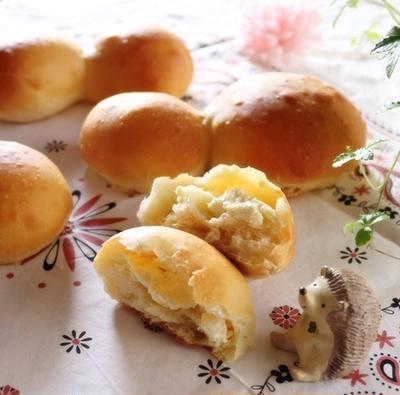 """クリームチーズのパン。リベンジしましたょ♡今度こそ大成功♡ それから""""おさつポーク""""のワンプレート夜ごはん"""
