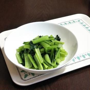 しゃっきり青菜の炒め物 ~シンプルににんにく塩炒め~ 《 #小松菜 #にんにく #中華 #塩炒め 》