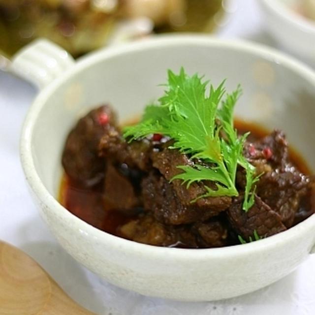 圧力鍋で簡単!牛肉の赤ワイン煮