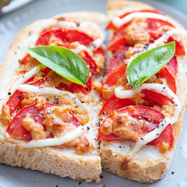 ポン酢でびっくらポン(〃∇〃)♡絶品トマトトースト♪