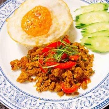 激辛ウマ・クアクリン・タイ南部料理・挽き肉のタイ風ドライカレー