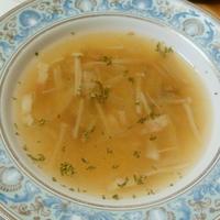チキンベースのきのことベーコンのスープ 骨で出汁取るシリーズお肉編