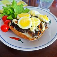 ゆで卵とひじき煮のたまパン