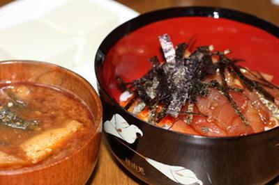 まぐろキムチ納豆丼