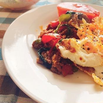 【ダイエットごはん】豆腐でカサ増し!野菜たっぷりなヘルシーガパオ