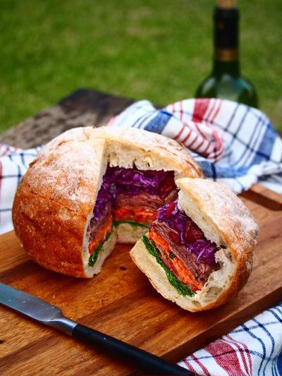カンパーニュの丸ごとサンドイッチ