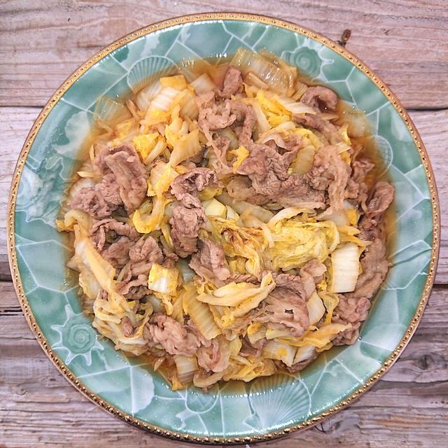 簡単すぎる白菜たっぷり牛肉の甘辛炒め煮