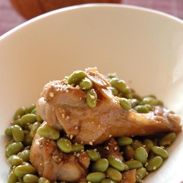 鶏手羽元と発芽大豆の煮込み。
