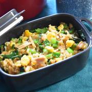 ツナと卵の混ぜご飯。甘辛く炒めたツナでおかず要らずのおいしいご飯。