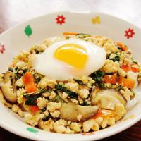 水菜と椎茸と鶏ひき肉でにんにく風味のあんかけうどん