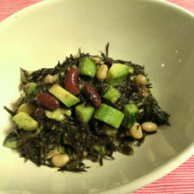 ◯ひじきとアボカドと豆とひじきのサラダ  ファミコレ Food&Drinkフェア