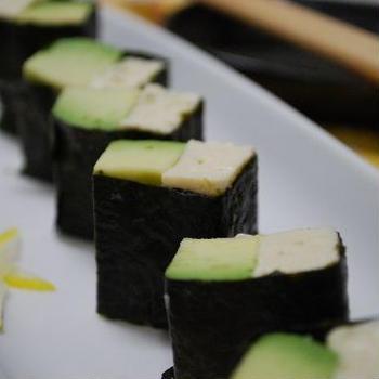 アボカドと豆腐のおつまみ海苔巻き