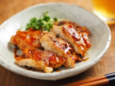 鶏むね肉の蒲焼き風、鰻の蒲焼のタレを使った料理