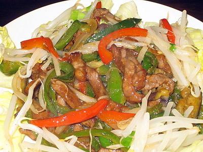 牛肉と夏野菜のチンジャオ