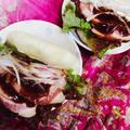 中華なご飯に。花巻の皮で手作り味噌ダレの焼き豚サンド。と、あんまんとおにぎり。