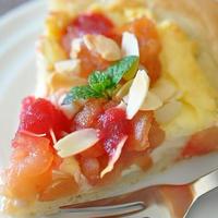 ブラウンマルチクイックで簡単! 娘作 リンゴと真っ赤なビーツジャムのスイートピザ