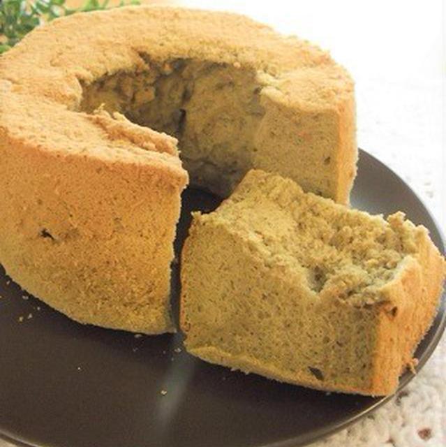 ノンオイル 米粉の抹茶シフォン