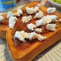 朝食にも♪手作りジャムにカッテージチーズよく合います(*^_^*)♪