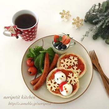 クリスマスに♡簡単かわいい〜スノーマンのピザトーストdeワンプレート♡