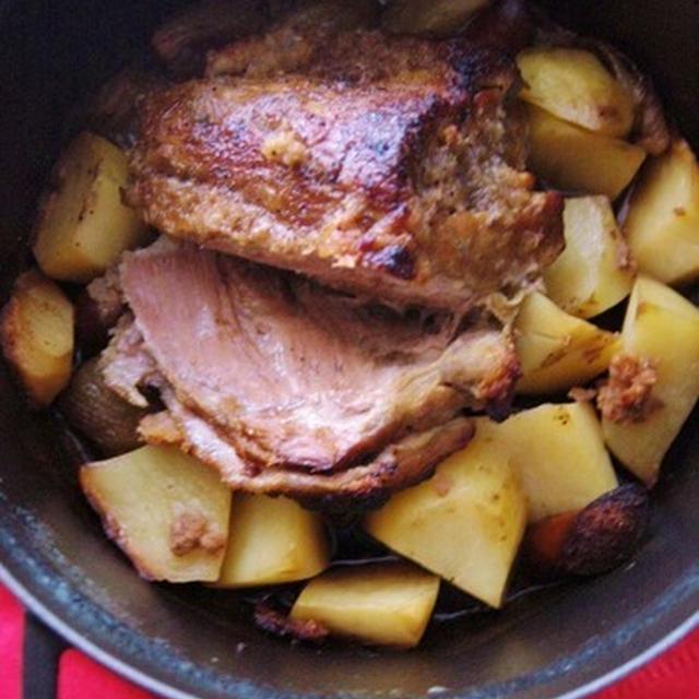 ストウブ鍋で☆フォークで崩れるオーブン・ポーク料理。