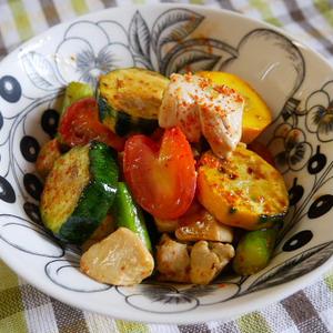鶏むね肉と夏野菜の炒め物、チリペパー風味