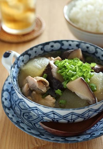 乾しいたけと冬瓜と鶏肉のスープ煮