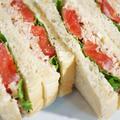 ■簡単5分!!朝パン【新玉葱とツナトマトのサンドイッチレシピ】 by あきさん