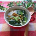 風邪予防に♪ニンニク香るターサイとなめこの中華スープ