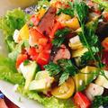 フェタチーズとなまり節のトマトサラダ