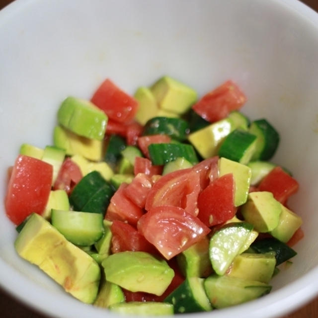 【糖質制限】アボトマきゅうりのオリーブサラダ
