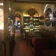 イタリアの美味しいレストラン イタリア ローマ県 イタリアの首都 ラツィオ州の州都 AD HOC