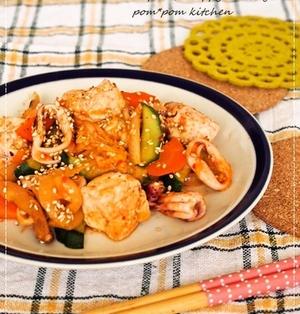 豆腐とイカのキムチ味噌マヨ炒め