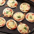 餃子の皮でマルゲリータ風ピザ 簡単ホットプレートレシピ
