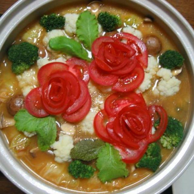 トマトチーズ鍋 バラが咲きました♪
