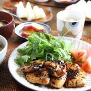 鶏むね肉の甘辛黒ごま焼き と さつまいものミルク煮。