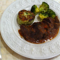 ローリエ香る、牛ほほ肉の赤ワイン煮