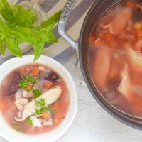 ビーツとチキンの具沢山スープ