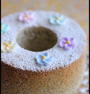 ホットケーキミックスで簡単!しっとりもっちり紅茶シフォンケーキとレシピ本のお話です。