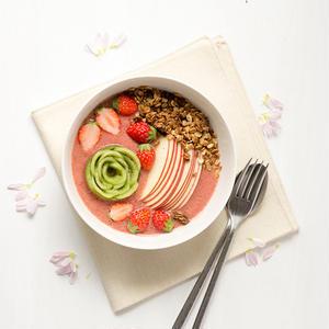 簡単ヘルシーな朝ごはん!フルーツたっぷりのスムージーボウルレシピ