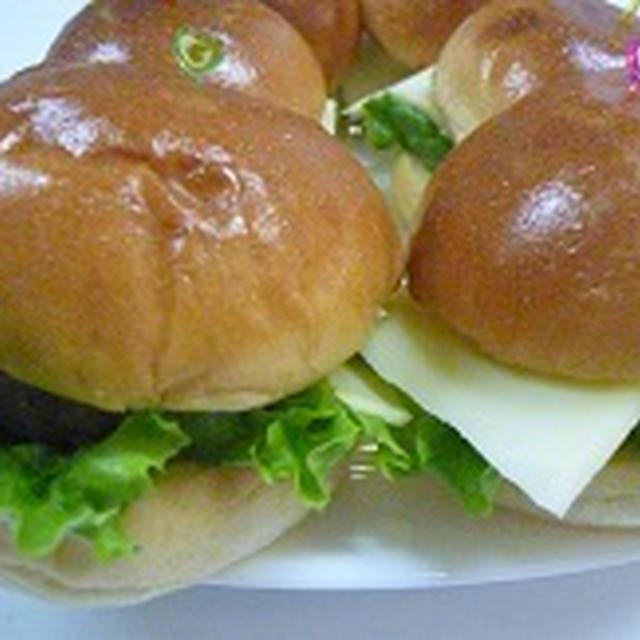 ミニチーズバーガー♪♪  飾り巻き寿司レッスン6月 カエル JEUGIAカルチャー千里セルシー