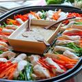 鶏ささみと野菜たっぷり!ヘルシー!「ホットプレートでバンバンジー」レシピ