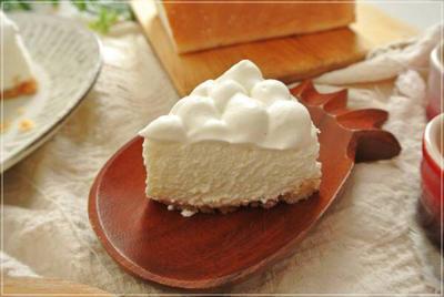 【グルテンフリー、クリームチーズ不使用】酒粕と水切りヨーグルトのレアチーズムース風ケーキ♪ と昨日の事。